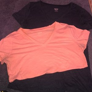 Two basic tees navy and salmon